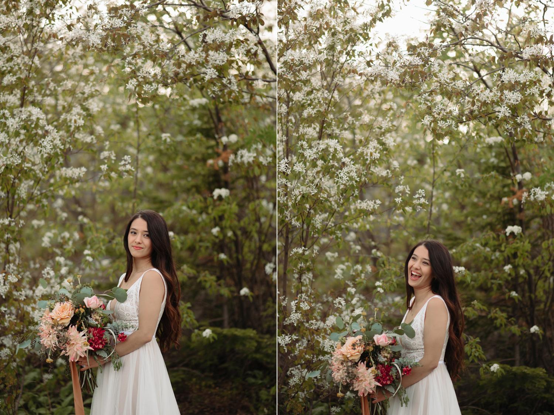 bridal portraits with wildflowers on palisade head minnesota